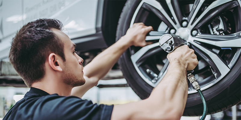 Avoid wheel damage installing tires
