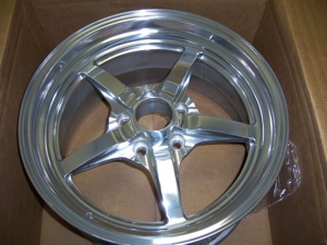This 'flange-cut' wheel has a painted center and a machined outer edge for a striking look.