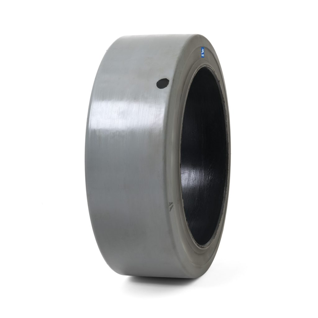 Camso Pon 775 forklift tire