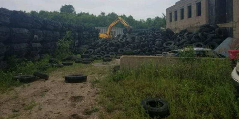 Illinois used tire removal EPA photo