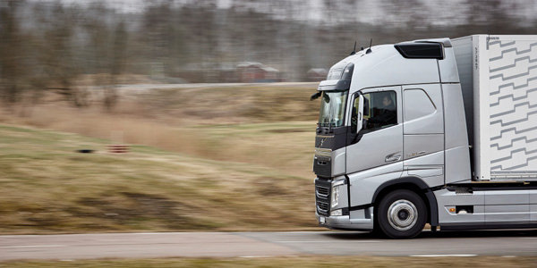 Volvo-Trucks-Connected-Safety-Telematics