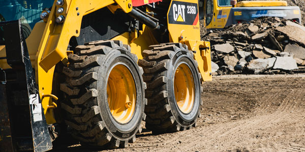 Camso-Skid-Steer-on-tires-1