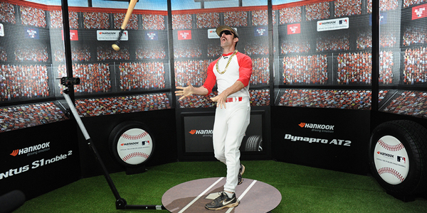 Hankook-Tire-Booth-Domingo-Bat-Flip