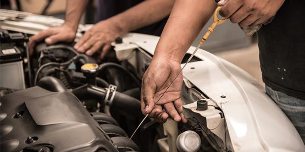 Oil-change-service-tire-dealers-600x300