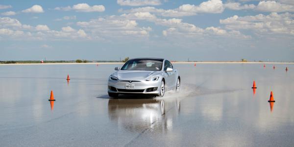 Goodyear-Proving-Grounds-Tesla-on-VDA-between-cones