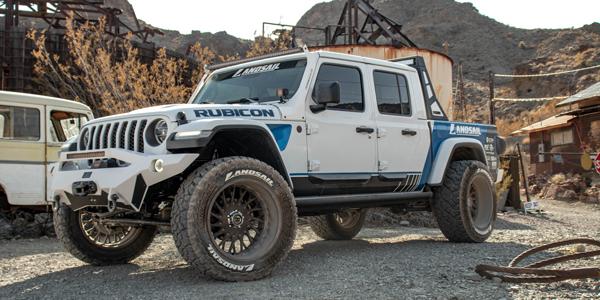 2020-Jeep-Gladiator-Rubicon-Sentury-Tire