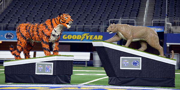 Goodyear-Cotton-Bowl-Mascots