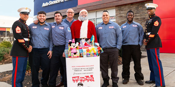 Pep-Boys_Toys-For-Tots-Delivery