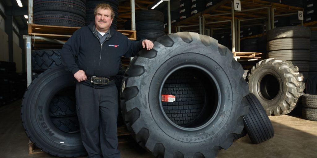 Van-Kleek-Tires-1-1400x700