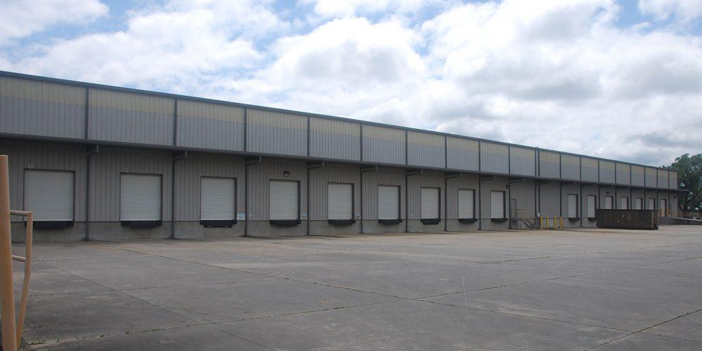 BendPak-new-facility-shippping-docks