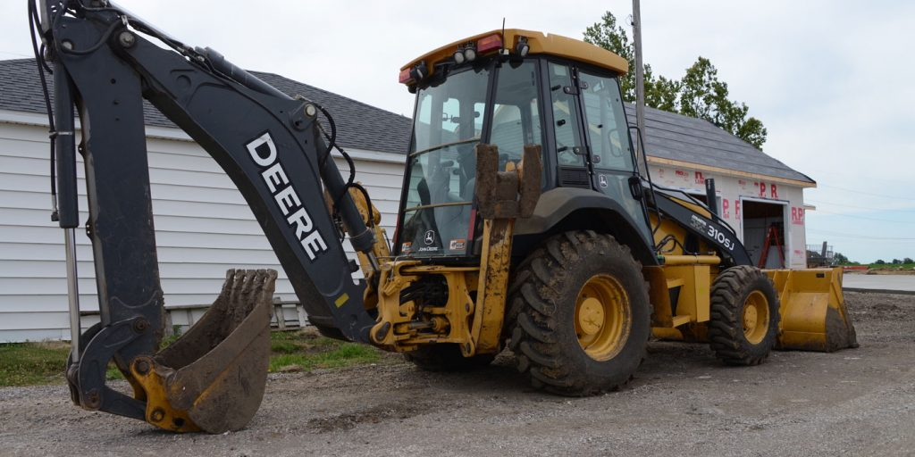 Alliance-Deere-Backhoe-2