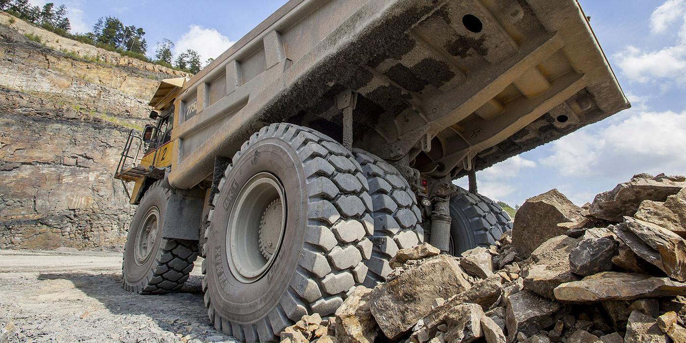 OTR-Tire-Earthmax-SR45-Rock