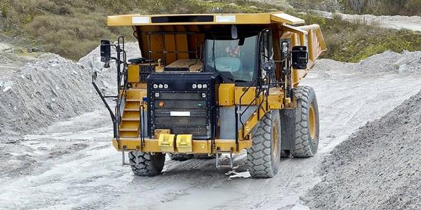 OTR-Tire-Mining-Machine