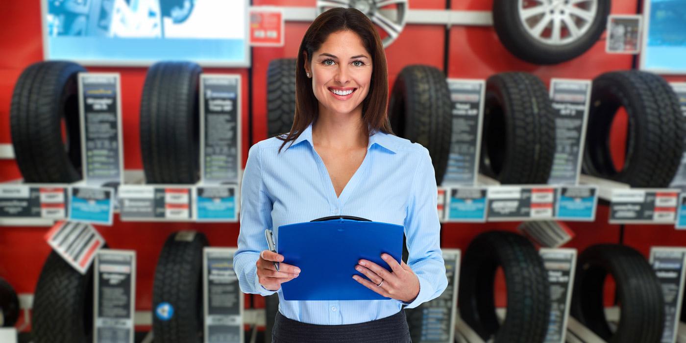 Tire-Dealer-People-Focus