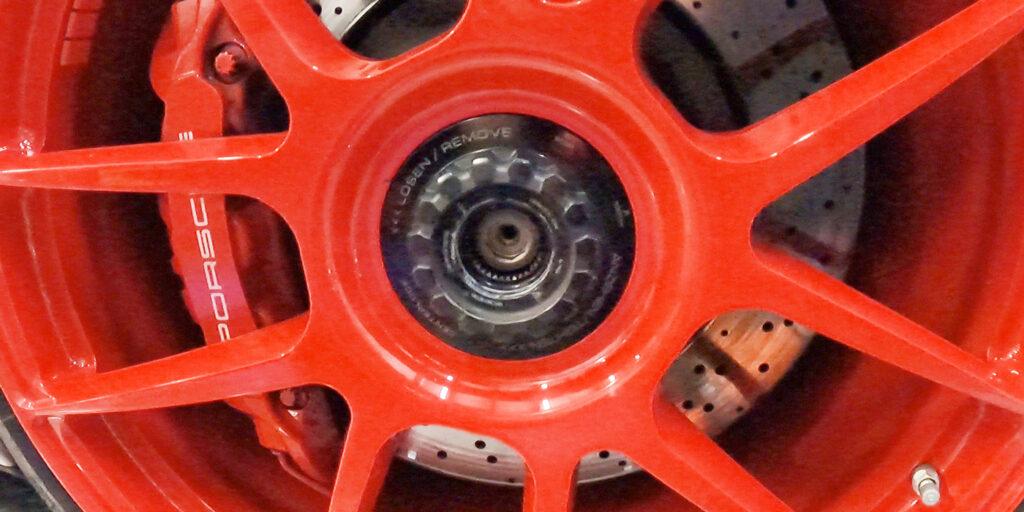 Photo-5_TRACK-Porsche-GT3-Center-Lock-Installation