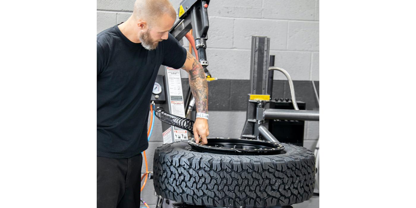 BendPak-tire-changer