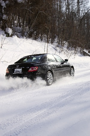 guests from atd and tire review were able to put the nitto sn2 through its paces at toyo's winter tire test facility.