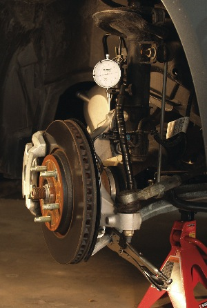 strut-type suspension dial indicator setup
